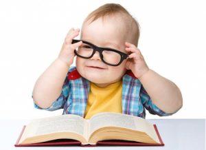 Ребенок-учится-читать-и-считать